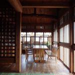 木の家 三段窓