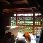 木 窓 戸